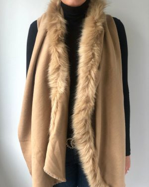 Little Red Kiss | Fashionable and Affordable Accessories | Fraas Caramel Faux Fur Wrap