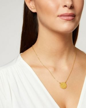 Little Red Kiss | Fashionable and Affordable Accessories | Gold Pendant